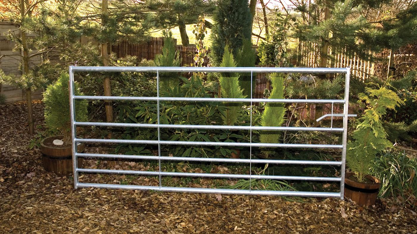 Metal Driveway Field Gates Earnshaws Fencing Centres
