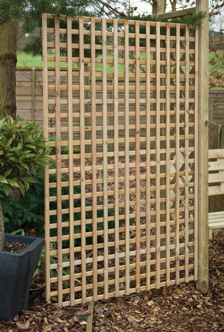 Fencing panels timber fencing garden fence trellis for How to build a lattice screen fence
