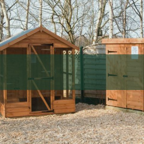 Quality Animal houses - Earnshaws Fencing Centres