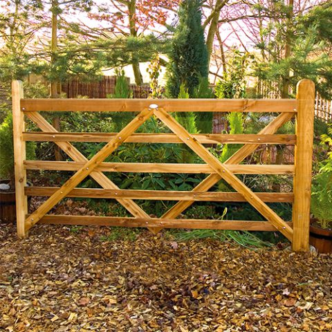 farm and field gates at earnshaws fencing centres